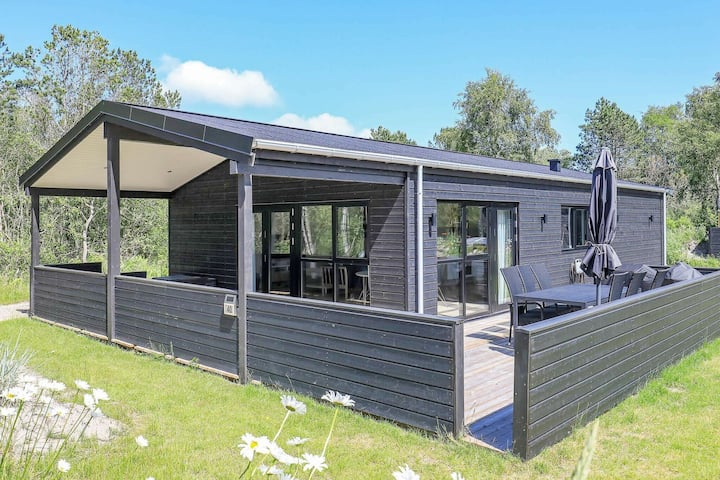 Elegant Holiday Home in Jutland with Hot tub