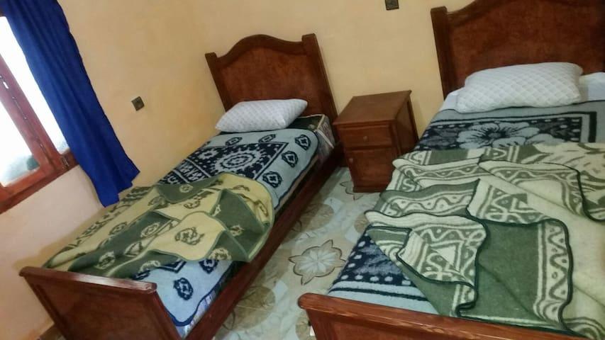 Bedroom 2 - 2 single beds - habitación 2 con dos camas individuales