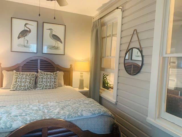 Welcome to your comfy queen bedroom!
