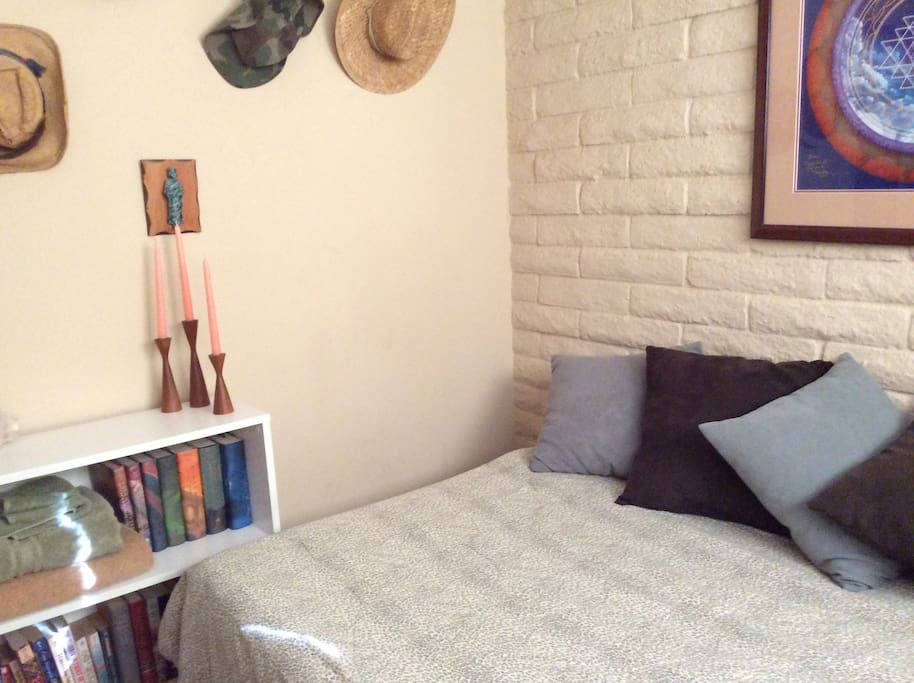 bedroom - cozy and really comfortable memory foam mattress