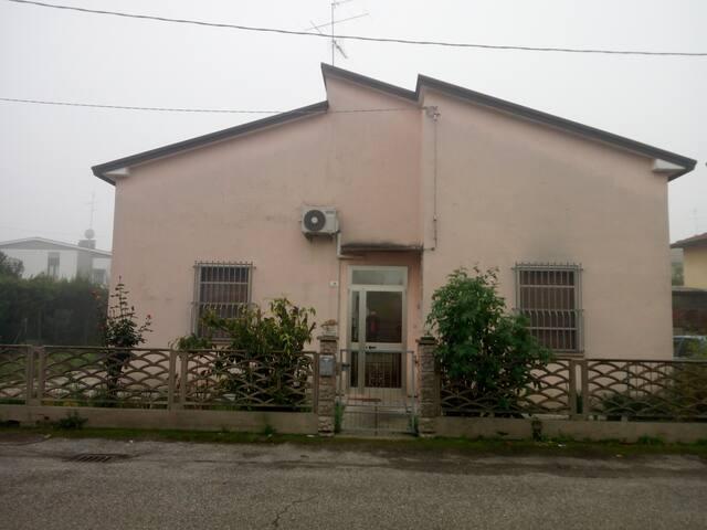 Casa indipendente vicino a Ravenna e al mare