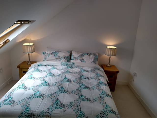 Top floor bedroom (King)