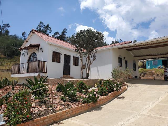 Casa de campo a solo 5 minutos de Chquinquira