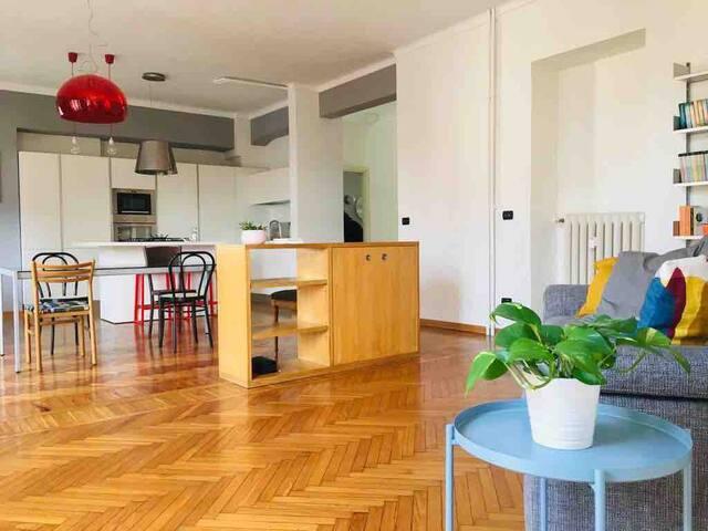 Priocca 10: elegant and cosy loft