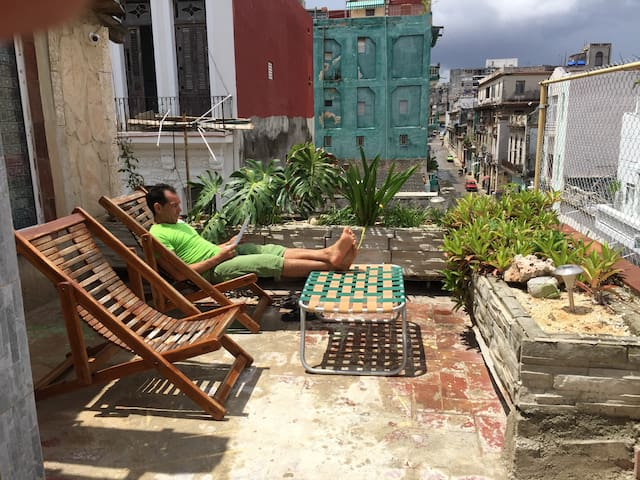 """""""El Madrileño 1"""" Nice apartment in La Habana Vieja"""