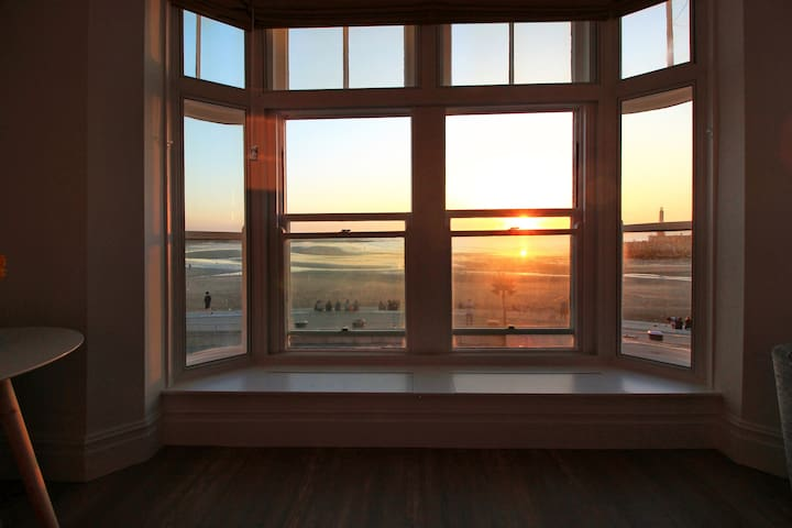 Macatsim Seaview Sunset ★ 2bed flat ★ Amazing Spot