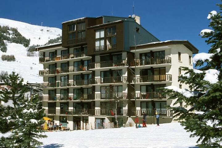 Appartement Cosy au Pied des Pistes | Local à Skis + Parking