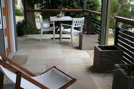 Stradbroke Island B and B - Point Lookout - Bed & Breakfast