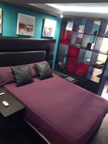 habitacion doble con salon 2,3 o 4personas - Tarragona - Haus