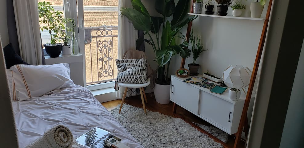 Plant Vibes Private Bedroom
