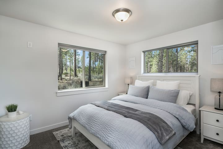 Bedroom Two-Queen Bed