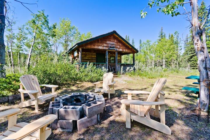 Silver Willow Rustic Wood Cabin near Bragg Creek