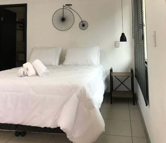 Apartamento (edícula)com suite Decoração temática