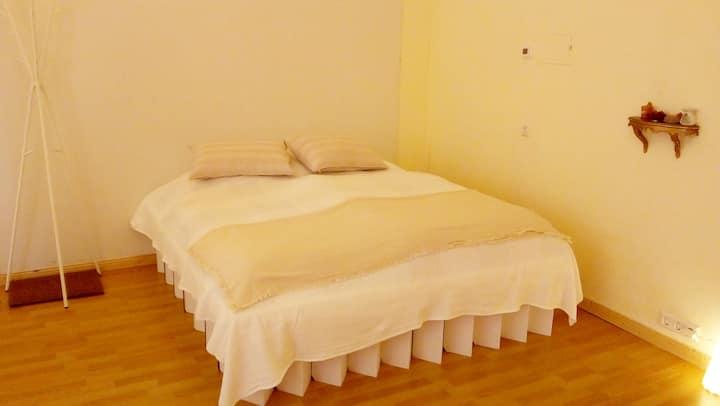 *Kleines Yogastudio* 1 Zimmer, WC +eigener Eingang
