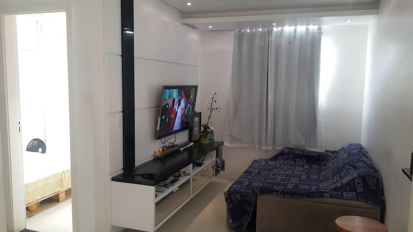 Ótimo quarto em AP. MOBILIADO aconchegante, lindo! - Lauro de Freitas - Appartement