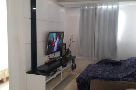 Ótimo quarto em AP. MOBILIADO aconchegante, lindo! - Lauro de Freitas - Lejlighed