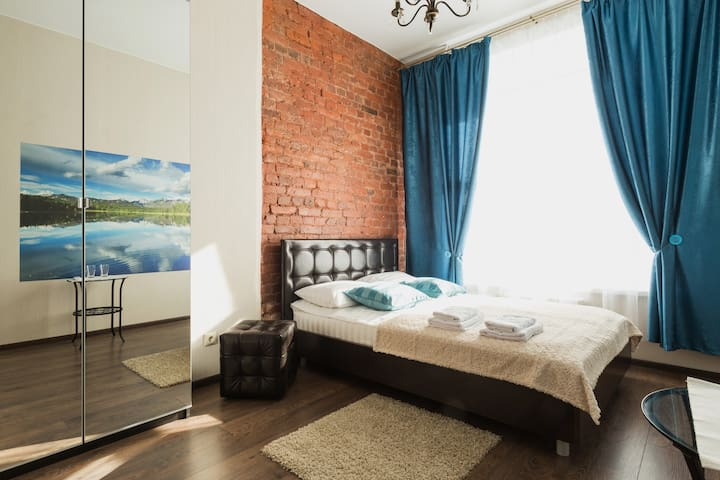 cozy apartment near Nevsky prospekt