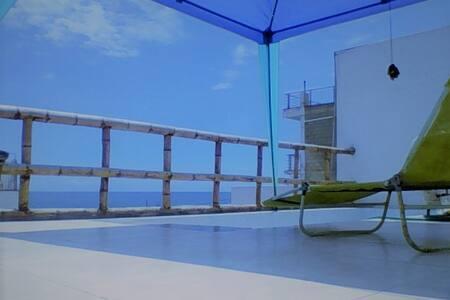 Casa Surf, vista al mar, surf-meditación.