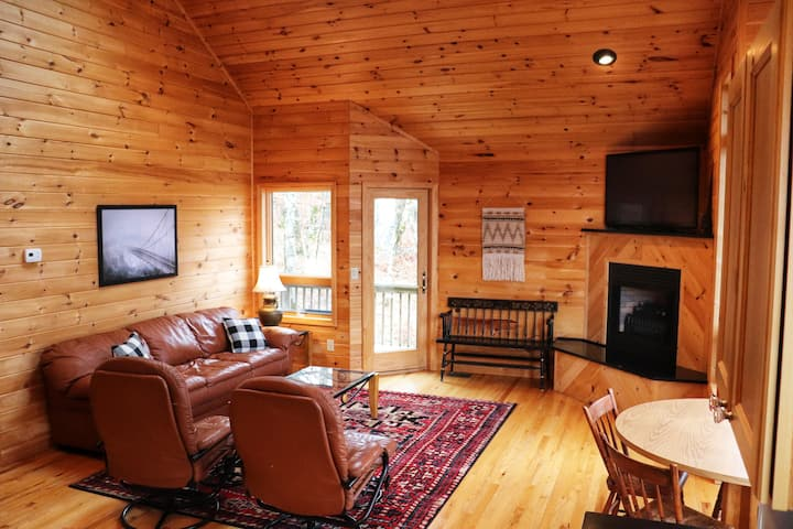 NEW Private Chalet, close to Beech Mtn Ski Resort