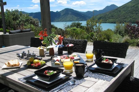 Kiwiss B & B Paua - Havelock - Bed & Breakfast