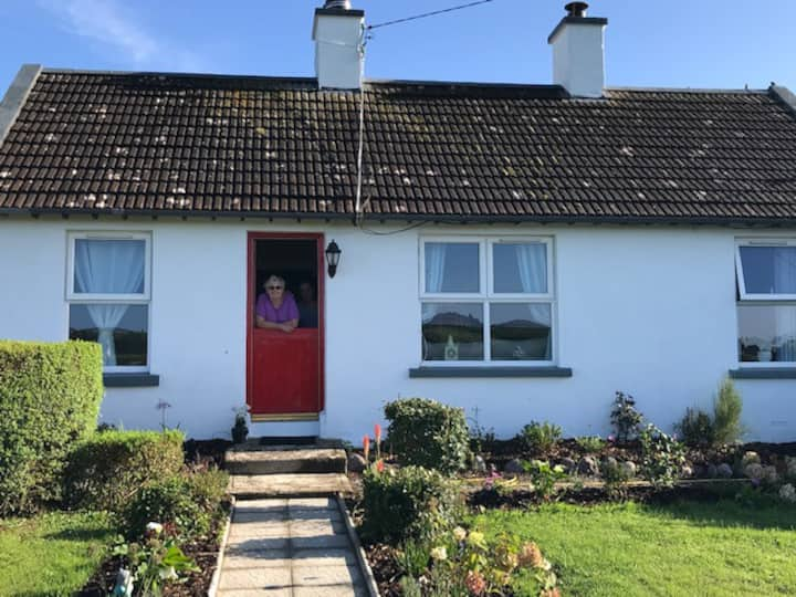 Ardmore Fisherman's Cottage *New Listing*