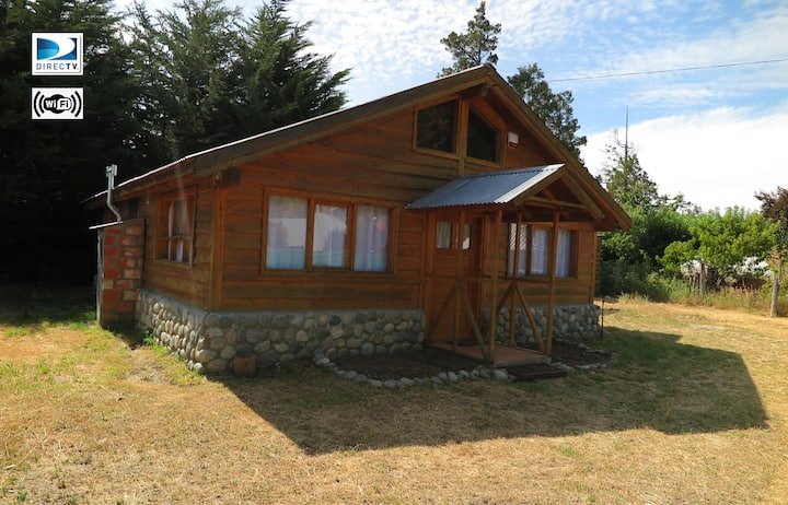 2 Bedroom Cabin In The Centre of Lago Puelo