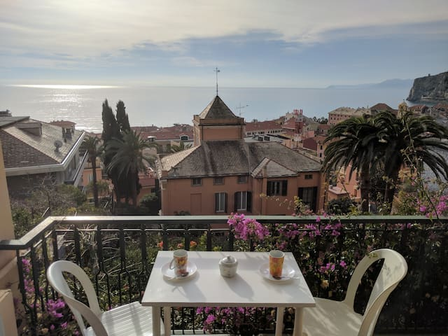 Splendida vista a 5 minuti dal mare - Finale Ligure - Appartement