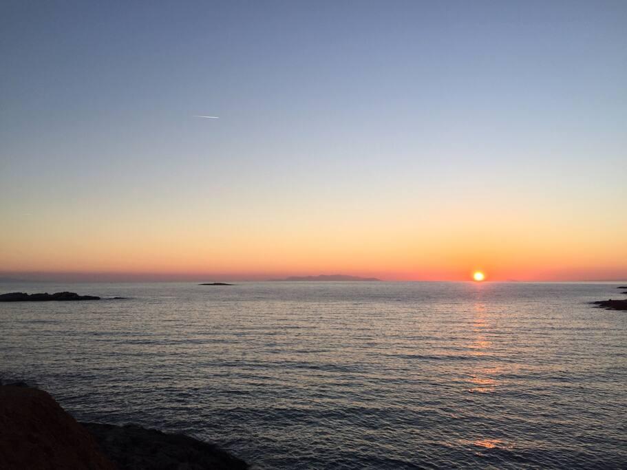 coucher de soleil sur la plage de Kokkina à 5mn de la maison