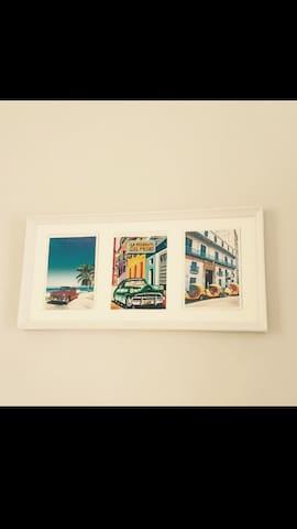 "Cuadrito con ""arte cubana"""