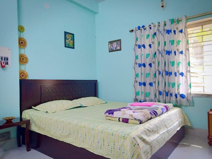 Dev's Sweet Home  4 Kms From Airport   AC Bedroom