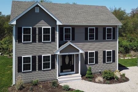 Gorgeous 3 Bedroom 2.5 Bath Home with Central AC