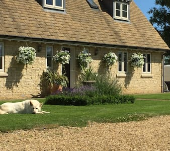 Delamere Farm Bed and Breakfast - ピーターバラ