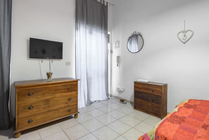 CASA BERTOLA THE LOW COST HOME IN ROME - Rome - Loft