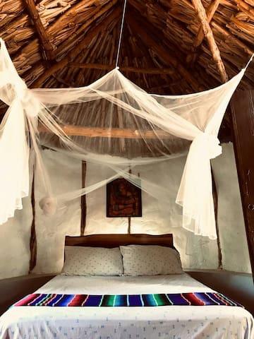 El cuarto con cama matrimonial