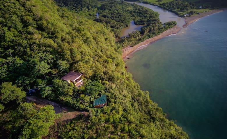 Treetop Eco Apartment - breathtaking sea views!