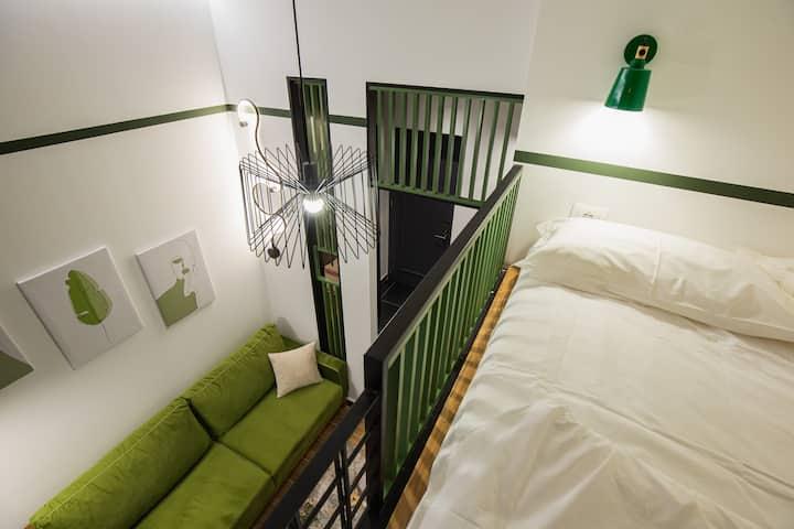LIT Apartments, Blloku