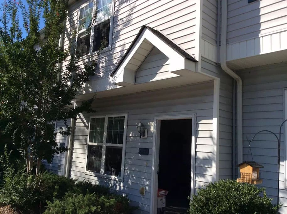 Cozy bed in a townhouse near duke houses for rent in durham north carolina united states for 2 bedroom townhouse in durham nc