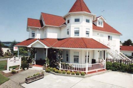 Anchorage Inn B&B - Coupeville