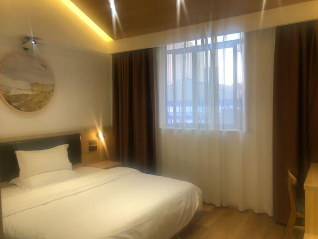 豪华电影大床房
