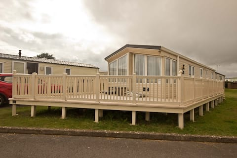 Lovely Holiday Home just metres from the Beach