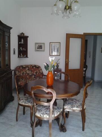 Appartamento 125 mq - Iglesias - อพาร์ทเมนท์