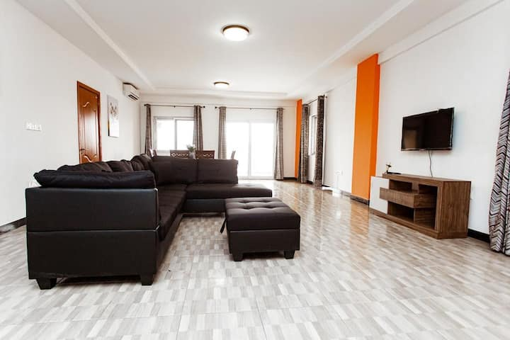 Flaneur High Rise Loft- 3 bedroom