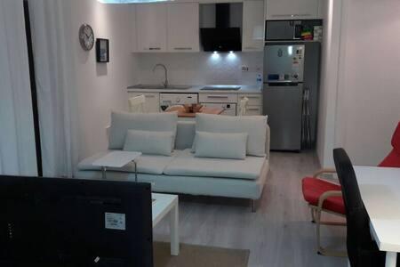 Luxury Studio Famagusta City Center - Famagusta - Lägenhet