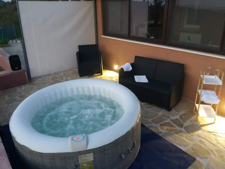 Dépandance IN VILLA - SEA VIEW, JACUZZI