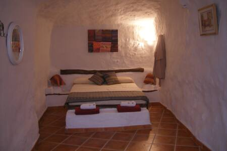 Cave house in small village - Pozo Alcón