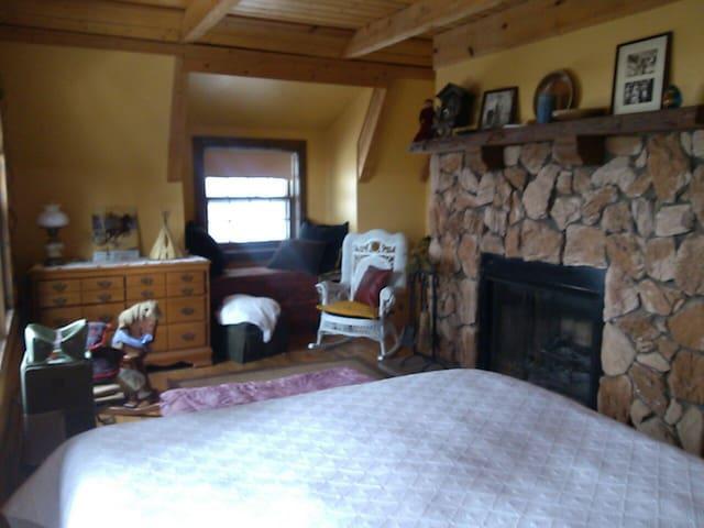 Our Cozy Log Cabin  Queen Bed Room