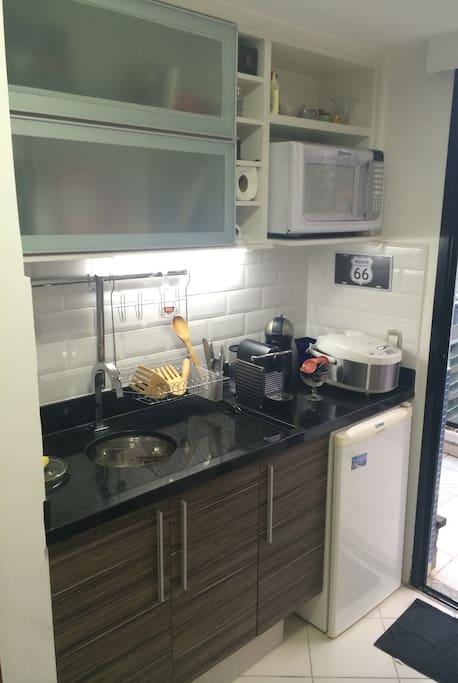 Small kitchen+ CoffeeMaker+Fridge+Cooktop+ElectricCooker+kitchenAccessories / Mini Cozinha+Cafeteira+Frigobar+Cooktop+Acessórios