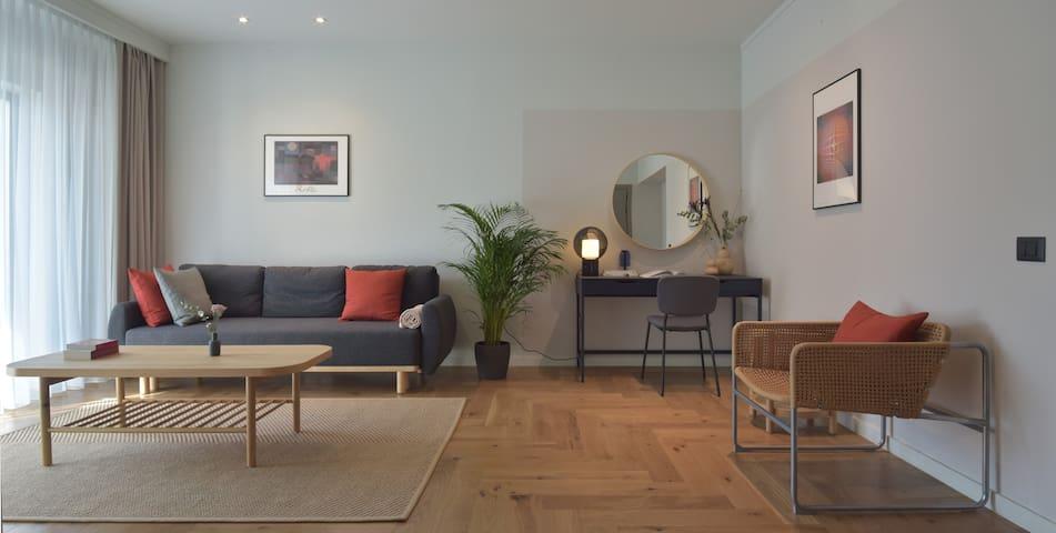 Atlas One-Bedroom Deluxe Apartment
