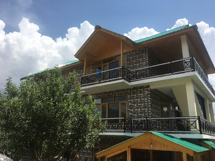 Tripzlabs bed & breakfast in the Himalayas