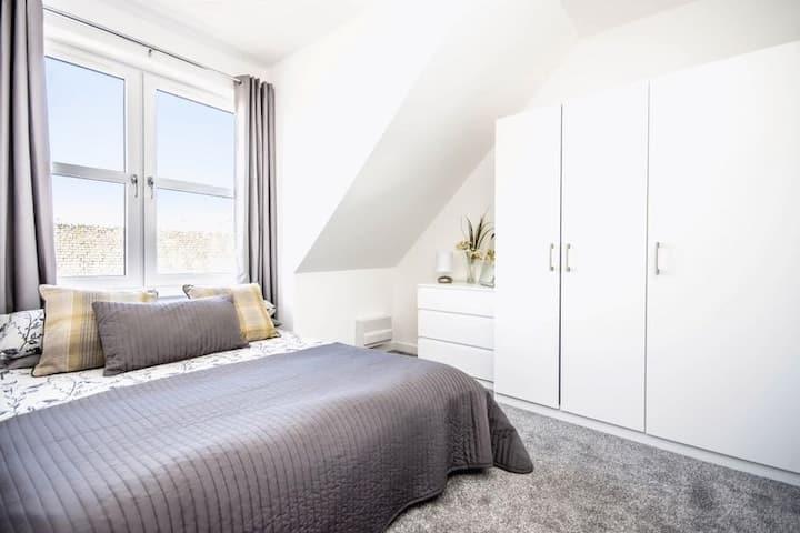 Carvetii: Edward House D. 2 Dbl bed 2nd floor flat